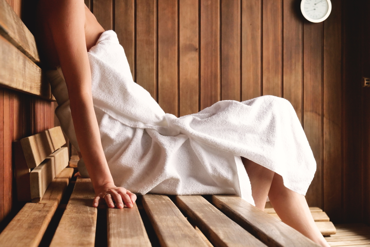 what to wear in the sauna